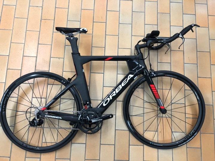 Orbea odu m30 triatlon cykel med carbon ram och shimano 105